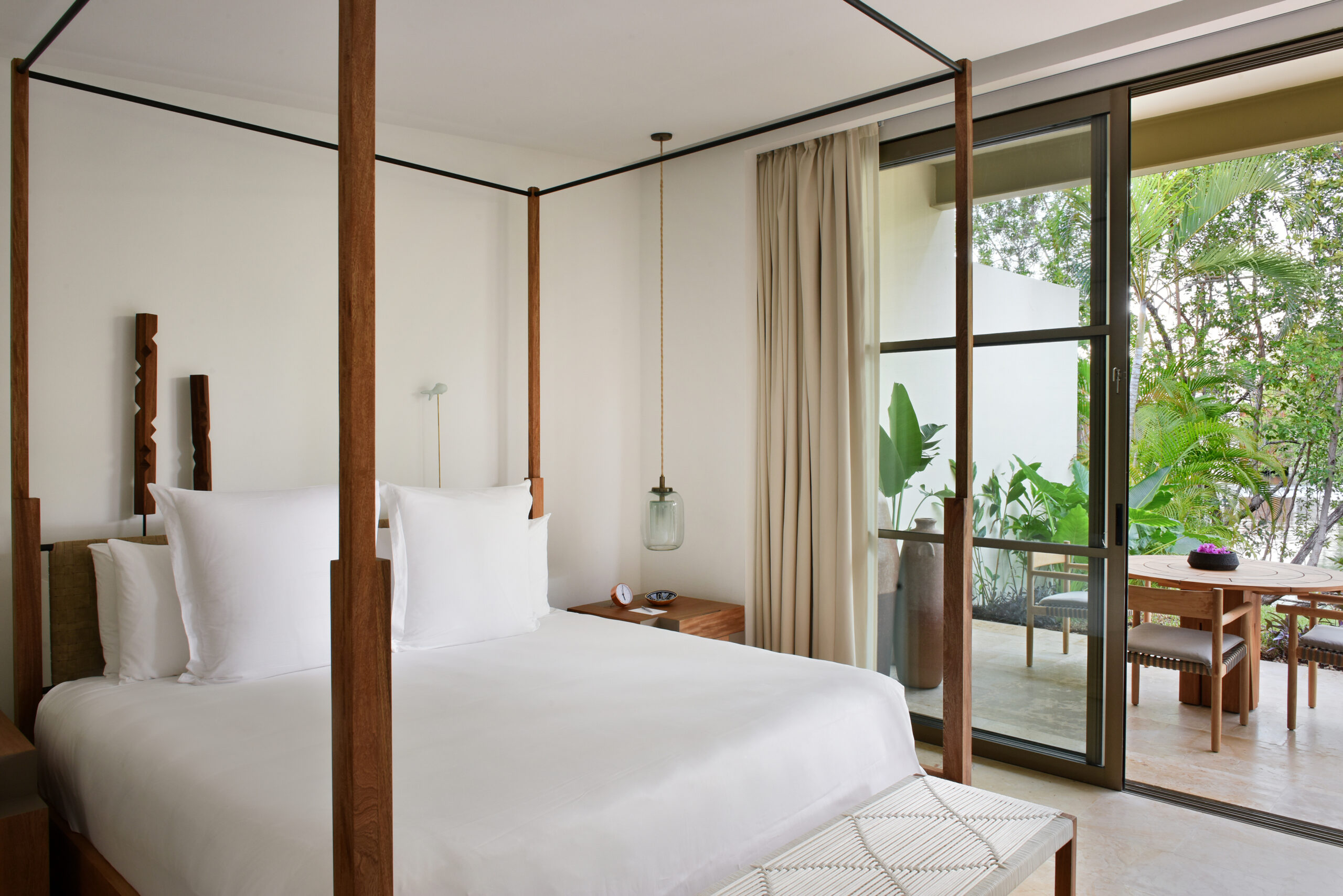 tropical four poster bed