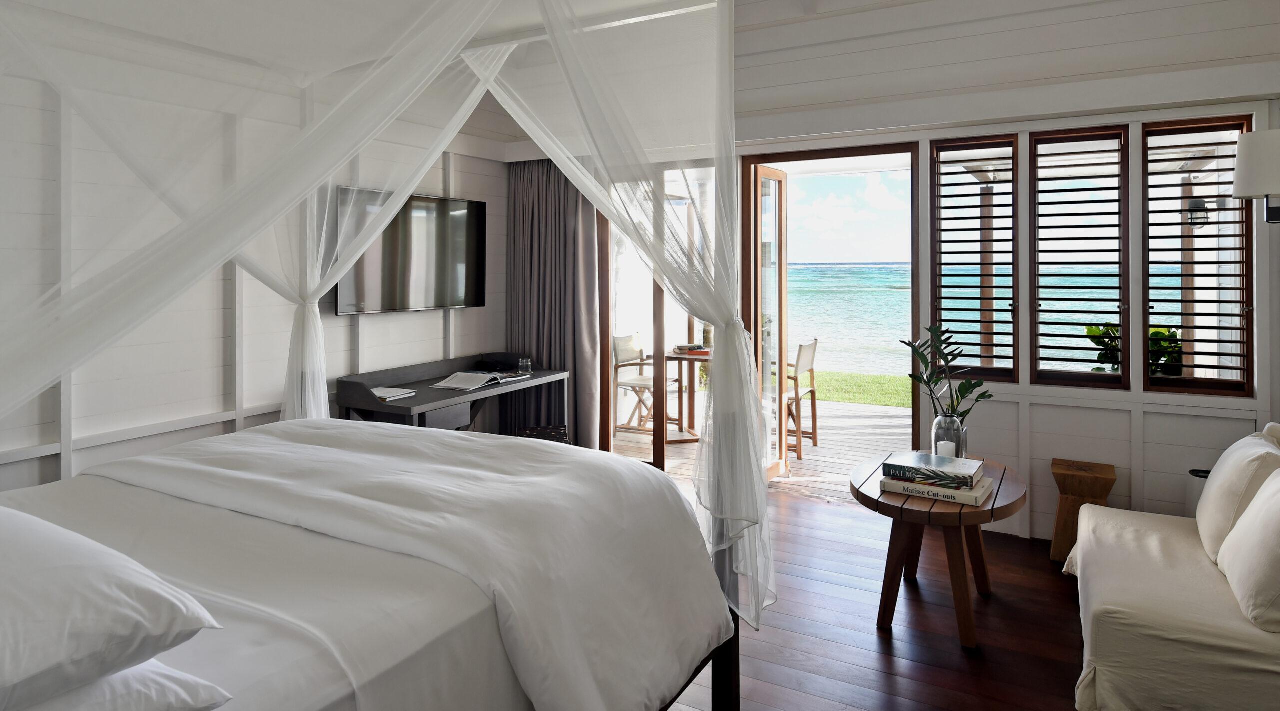 tropical bedroom overlooking the Sea