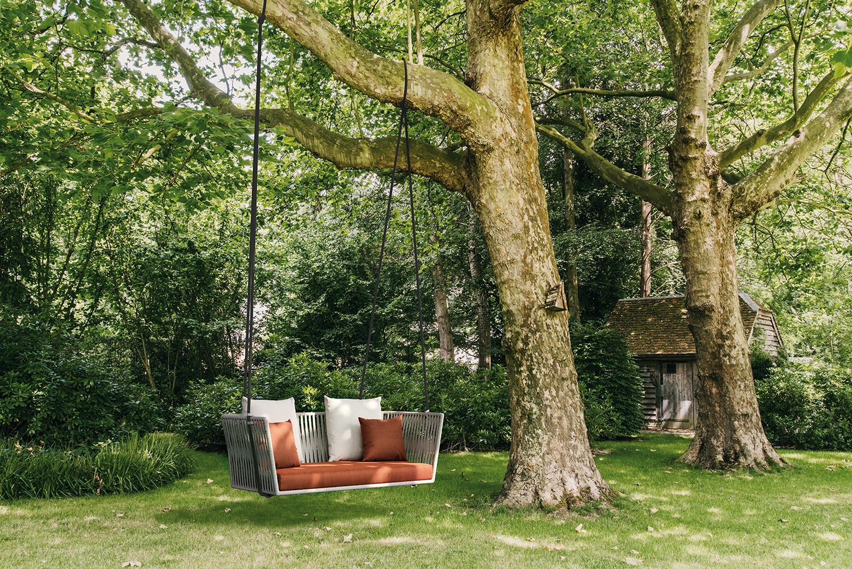 Luxury swing for outdoor fun