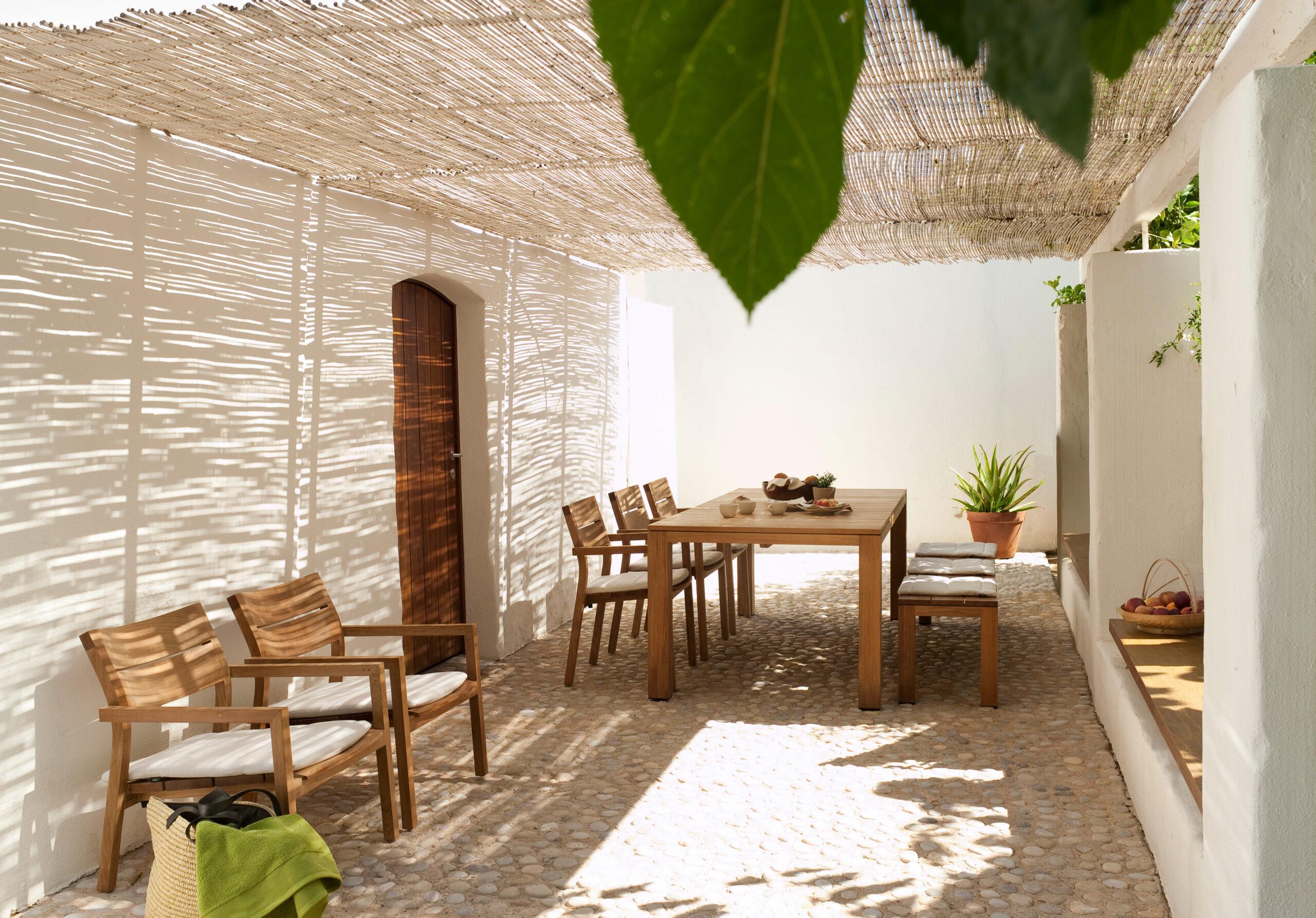 Luxury outdoor furniture